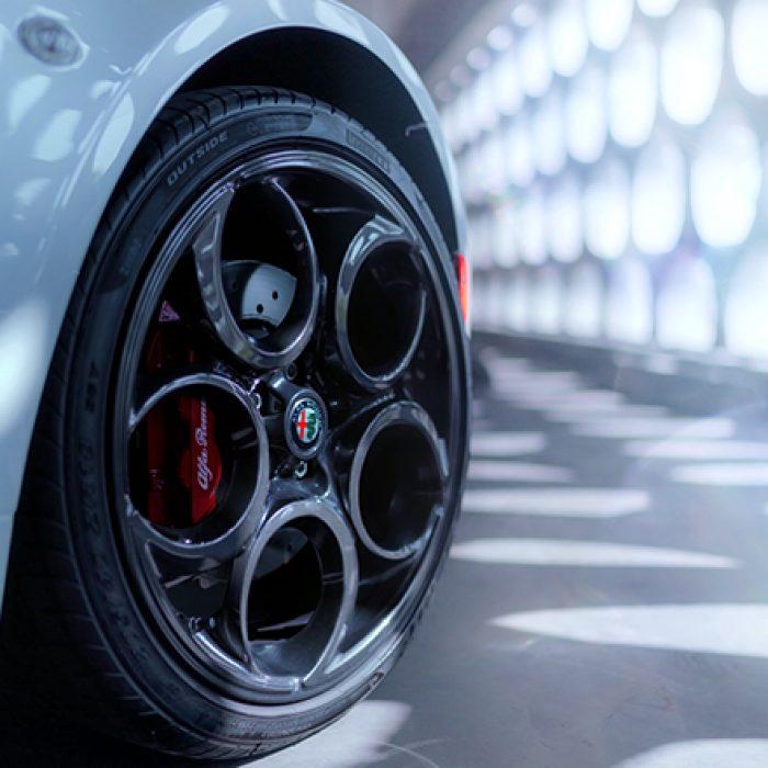 Espejo lateral del Alfa Romeo 4C Spider 2019
