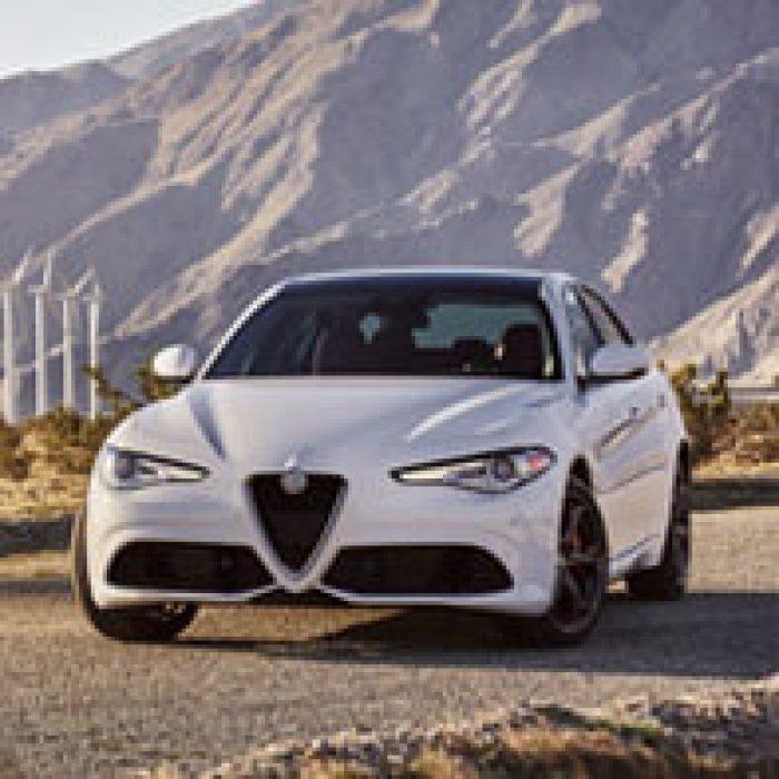 Vista delantera del Alfa Romeo Giulia 2019