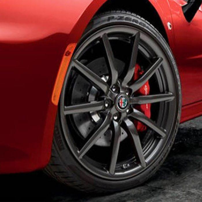 2018 Alfa Romeo 4C Wheel