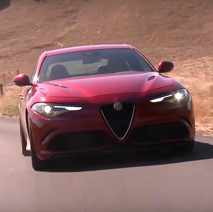 Vista delantera del Alfa Romeo Giulia 2018