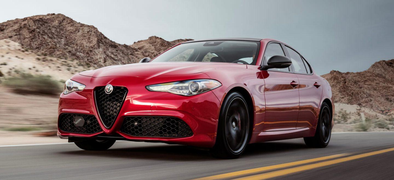 2018 Alfa Romeo Giulia Front Side View