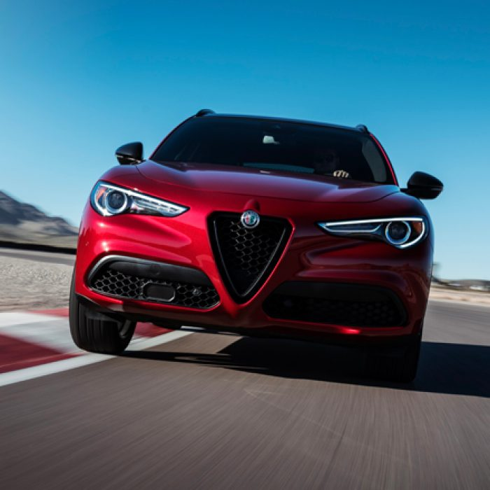 Vista delantera del Alfa Romeo Stelvio 2018